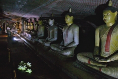 Dambulla_Royal_Cave_Temple_03