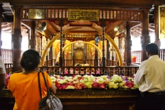 Temple-of-the-Sacred-Tooth-Relic_02