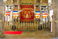 Temple-of-the-Sacred-Tooth-Relic_03